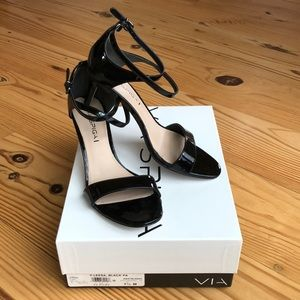 Via Spiga black patent kitten heel